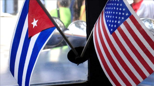 u s trade embargo on cuba In another step in the process to thaw relations with cuba, a group of lawmakers on thursday introduced legislation to lift the trade embargo that has existed with the country for decades.