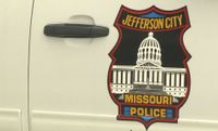 Officer injured while perusing suspect who pulled gun