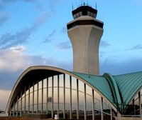 Weather shuts down St. Louis airport