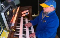 St. Louis Blues organist transitions from the ice to the diamond