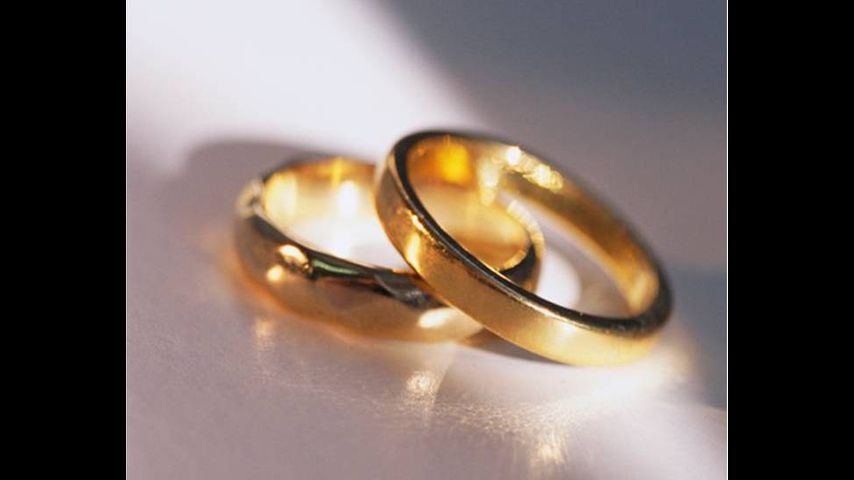 is marriage obsolete Yes-marriage is obsolete now now that we are free to do whatever we like in the west, whether it's having heterosexual or homosexual relationships, whether its relationships with an object or multiple people, almost anything goes.