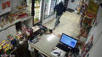 Ascension Parish authorities searching for convenience store robber