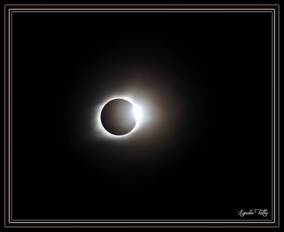 Lynda Tully captured the moment of totality from Holts Summit.