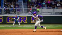 Late grand slam lifts No. 7 Florida to 4-3 win over No. 9 LSU