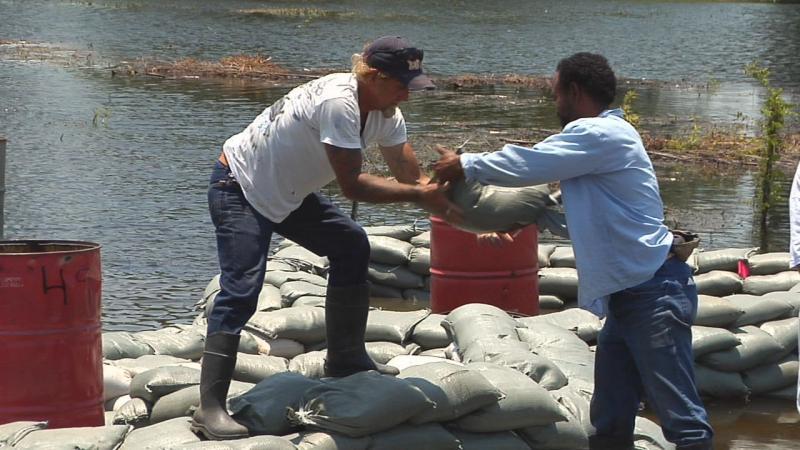 Angola Prison Flooding Angola Inmates Fighting Floods