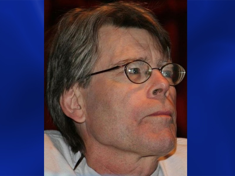 Stephen King Weighs in on Gun Control
