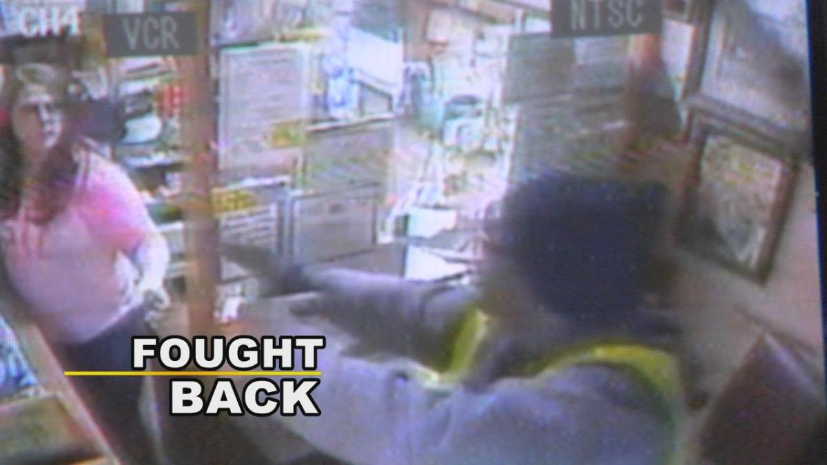 Store owner, daughter fight armed robber | WBRZ News 2 Louisiana : Baton Rouge, LA |