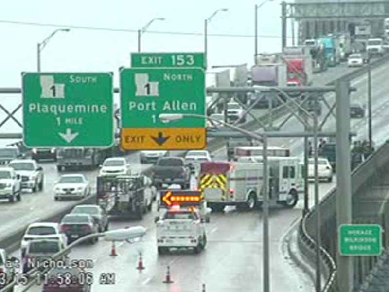 Bridge wreck blocks noon rush traffic on I-10 - Louisiana news