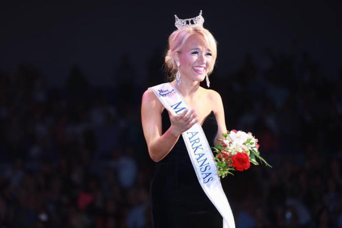 Savvy Shields Of Arkansas Crowned Miss America