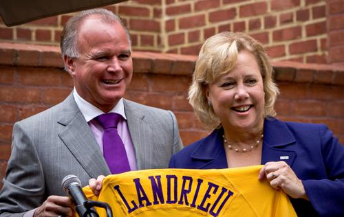 Mainieri presents jersey to Landrieu