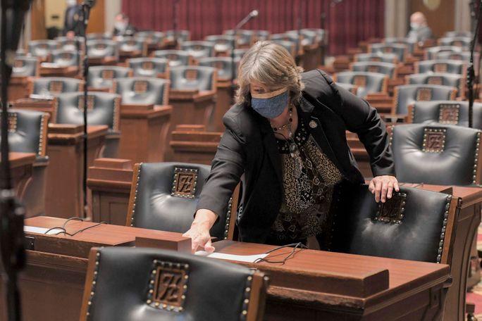 Cheri Toalson Reisch, R-Hallsville, votes in a nearly empty chamber following debate. (Courtesy: Tim Bommel)