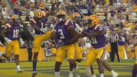 LSU Tigers look impressive on offense, beat Central Michigan 49-21