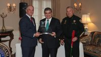 State honors Mexican officials who aided Lozada case