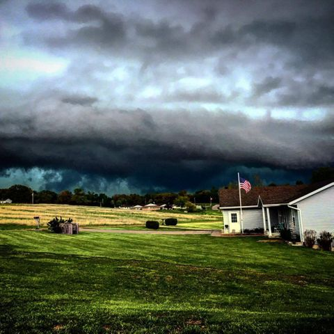 Brenan Moriarty sent in this picture she took 8 miles west of Jefferson City.