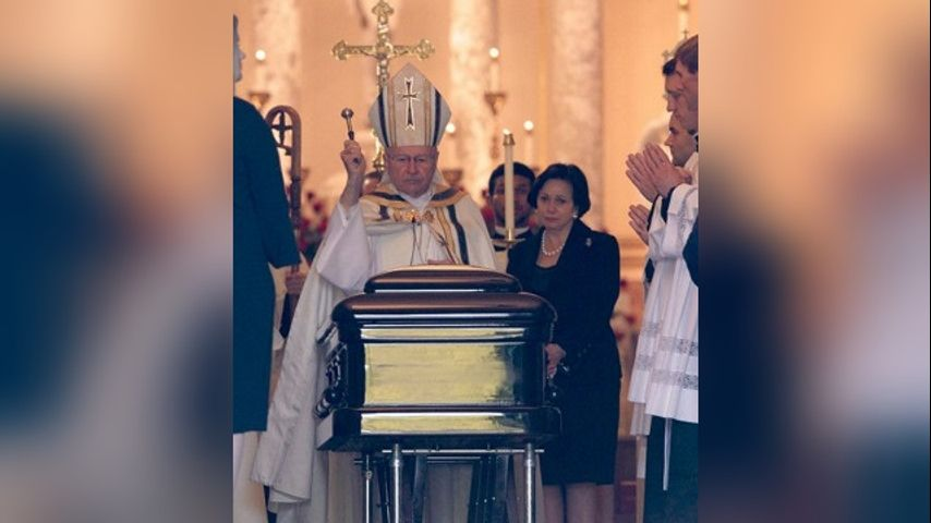b07fb1fc5 NEW ORLEANS (AP) - The casket of New Orleans Saints owner Tom Benson has  been carried into a New Orleans seminary.