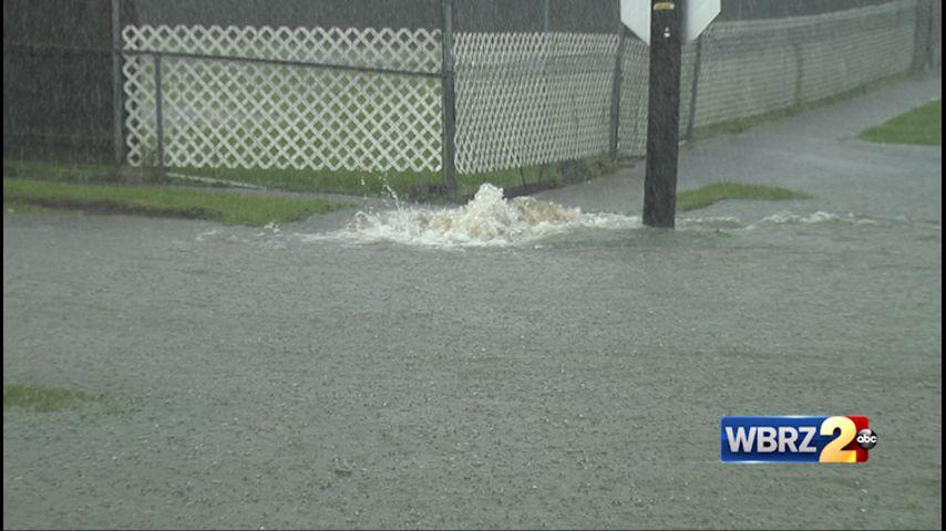 Reports of flooding, lightning strikes as storms pound Baton