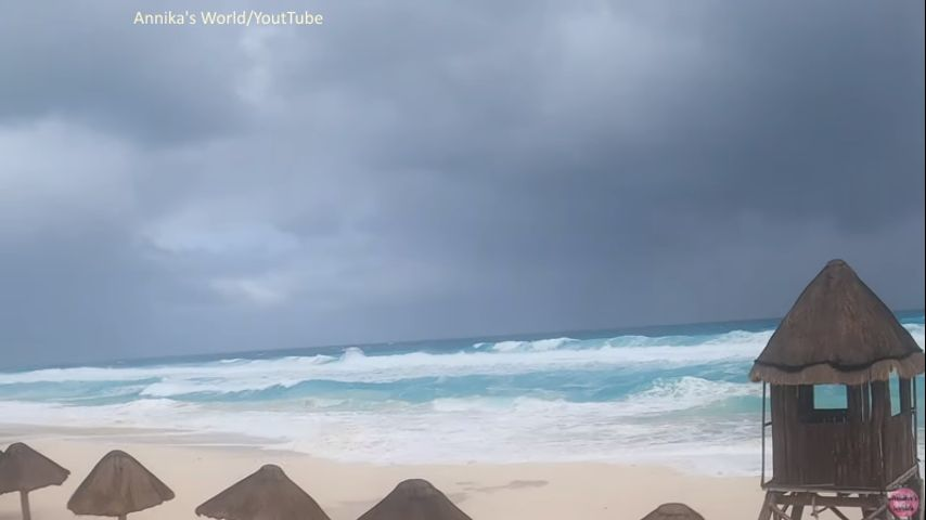 Zeta, downgraded to Tropical Storm, whips through Cancun and heads towards Gulf Coast