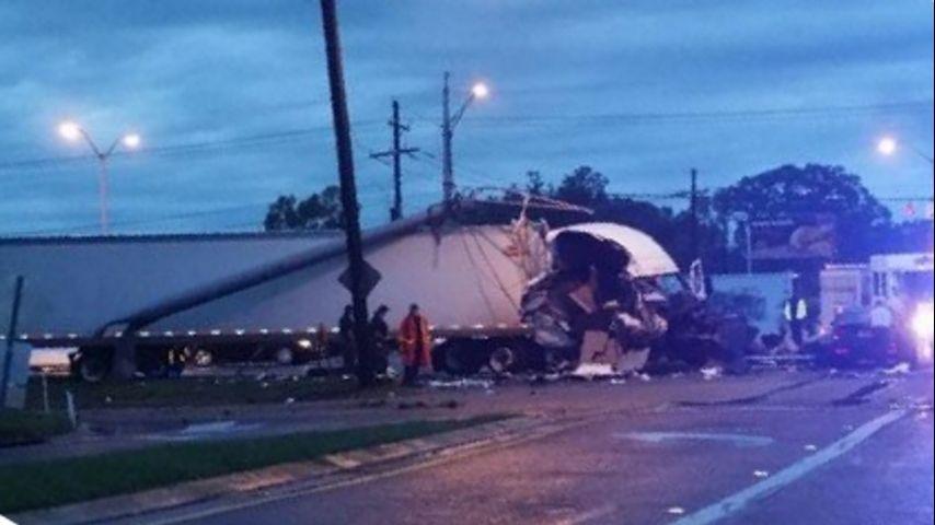Passenger injured in Airline Hwy 18-wheeler wreck