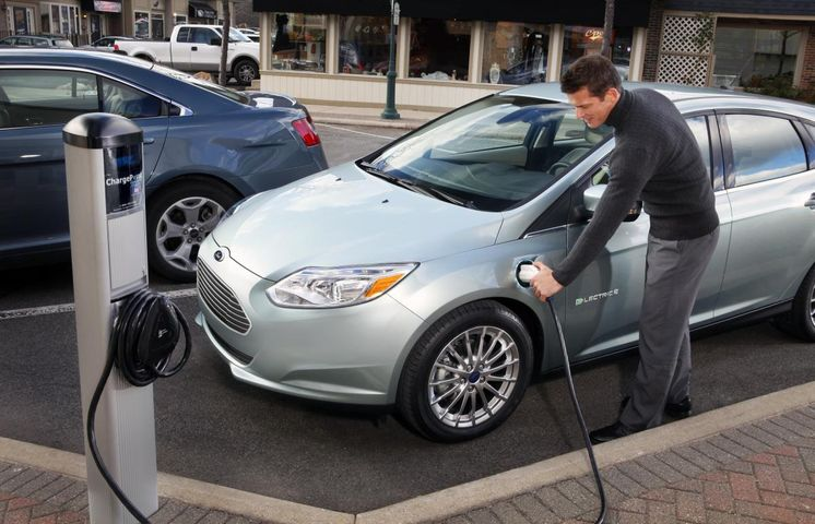 Electric Cars To Hit Missouri Car Lots By End Of Year