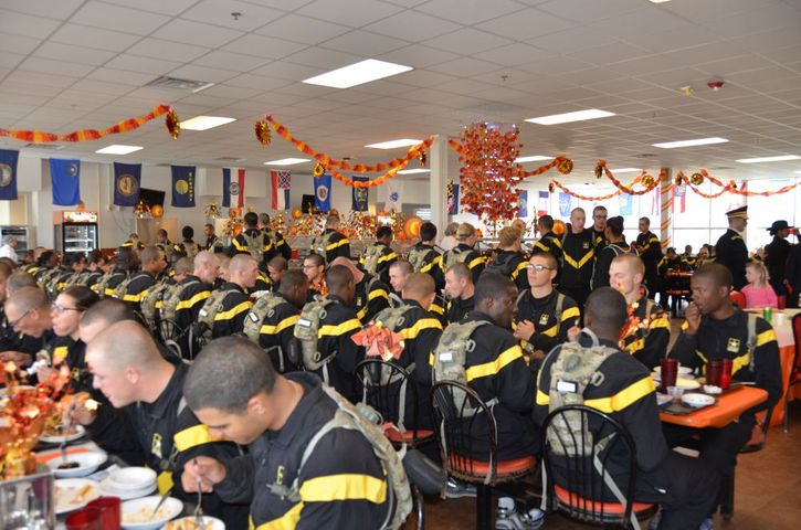 Soldiers in training at Fort Leonard Wood enjoy their traditional Thanksgiving meal. (Photo credit: Dawn Arden, Public Affairs Office)