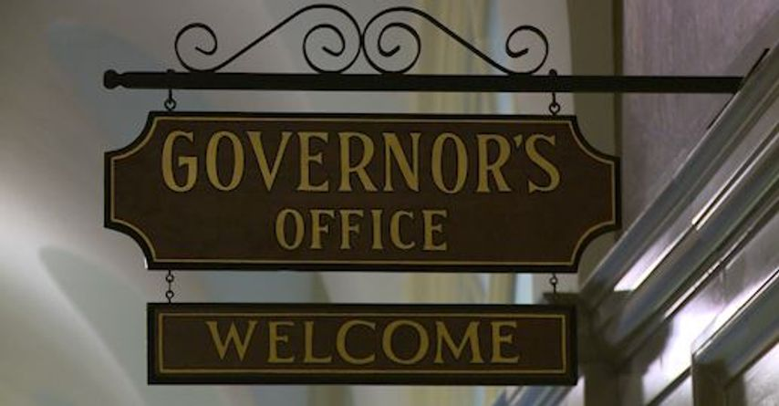 Governor Parson signs executive order to curb youth vaping