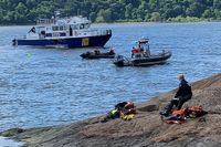 Swimmer missing from race down New York's Hudson River