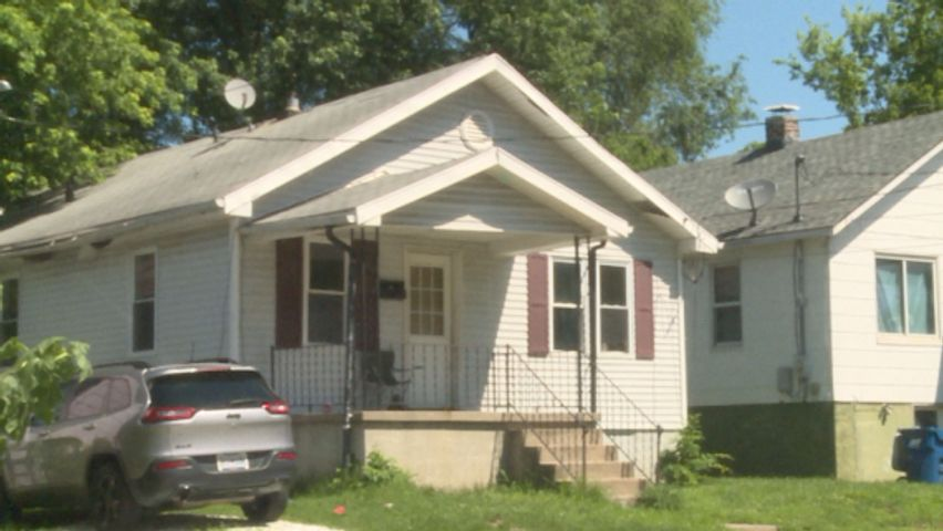 """Friend of shooting victim describes house """"full of blood"""""""